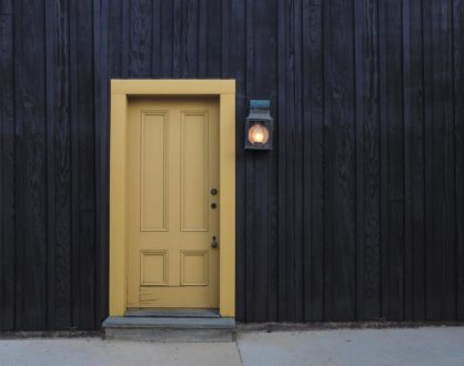 4 Advantages of Using Commercial Wood Doors at an Office