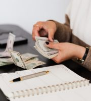 3 Smart Reasons to Use a CPA to Handle Your Office's Payroll